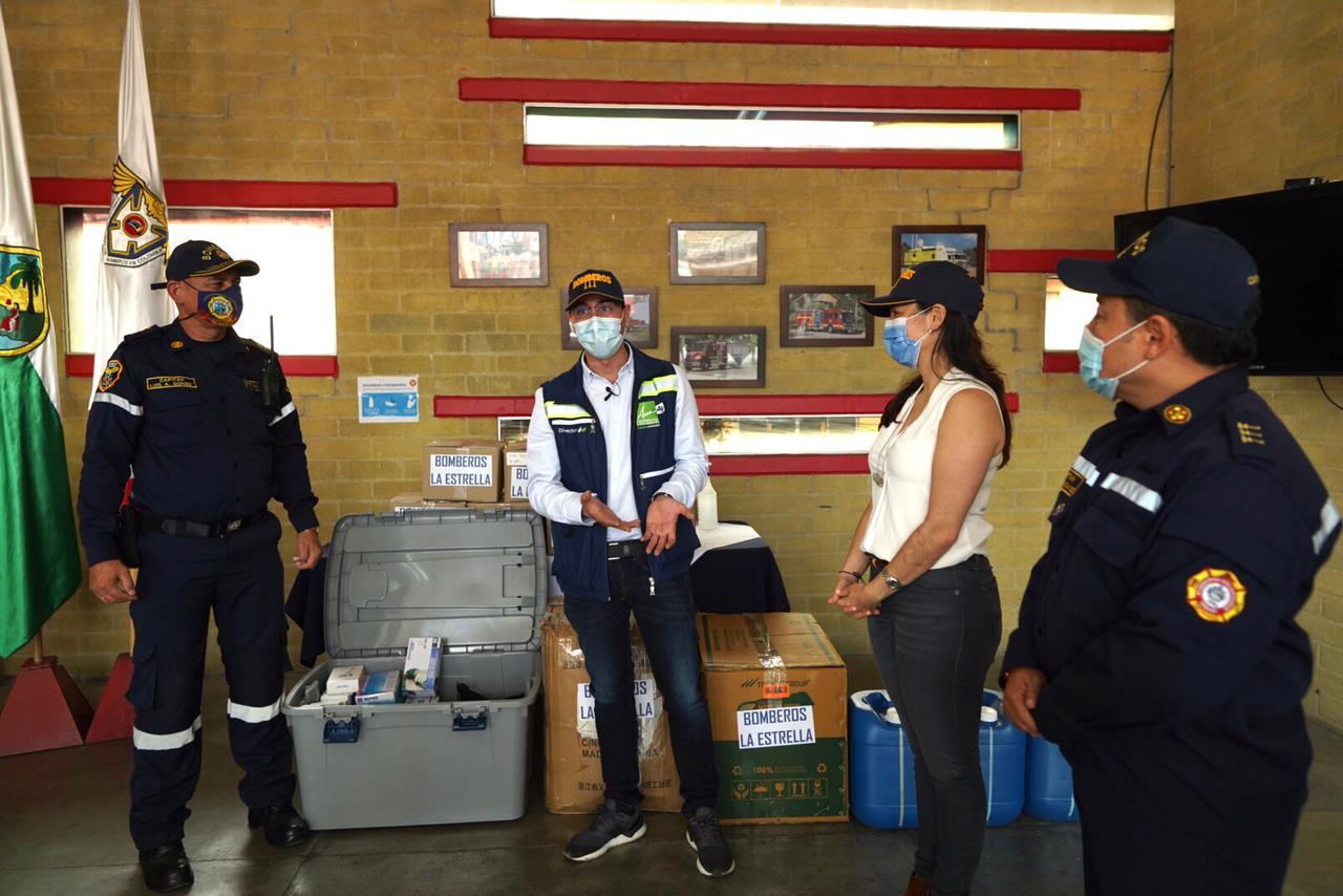 entrega_kits_bioseguridad_bomberos_2.jpeg